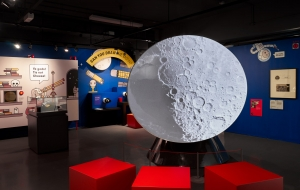 MPM Fly to the Moon and back